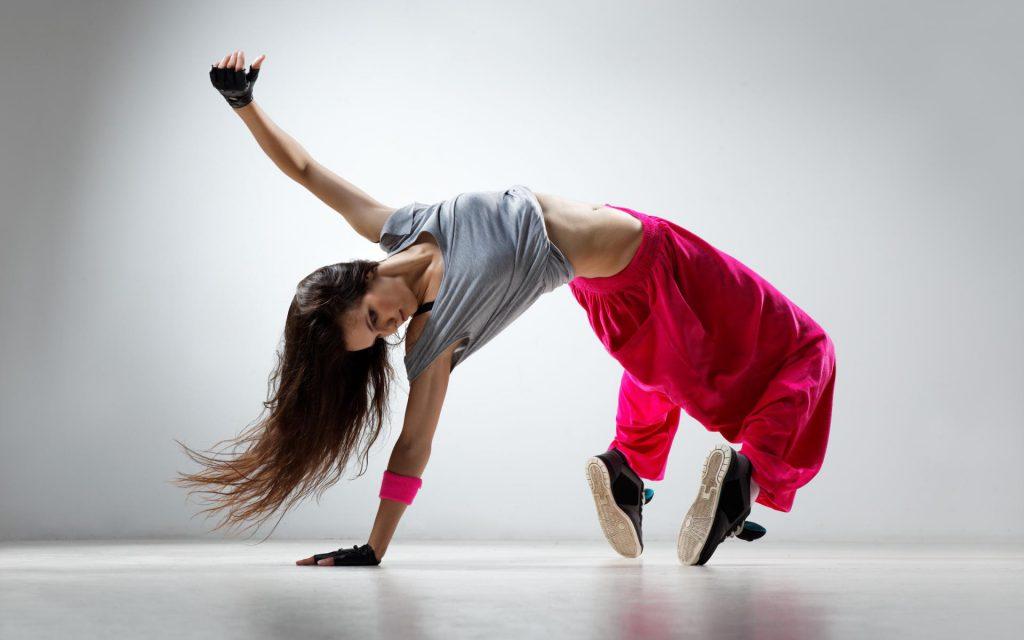 В домашних условиях танцами